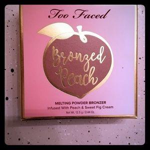 Too Faced Bronzed Peach Bronzer